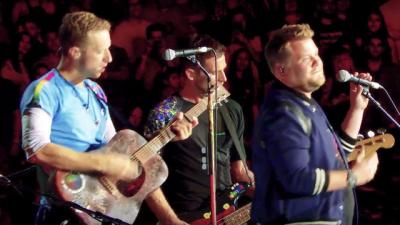Coldplay Ajak James Corden Naik Panggung untuk Tom Petty